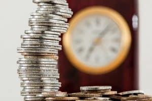 מטבעות ושעון